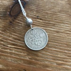 """16"""" silver coin necklace, like new"""